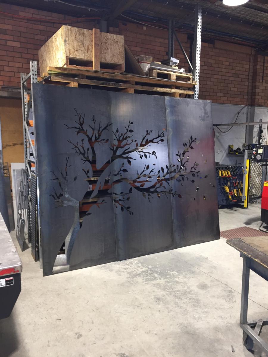 Screens-and-metal-art-4